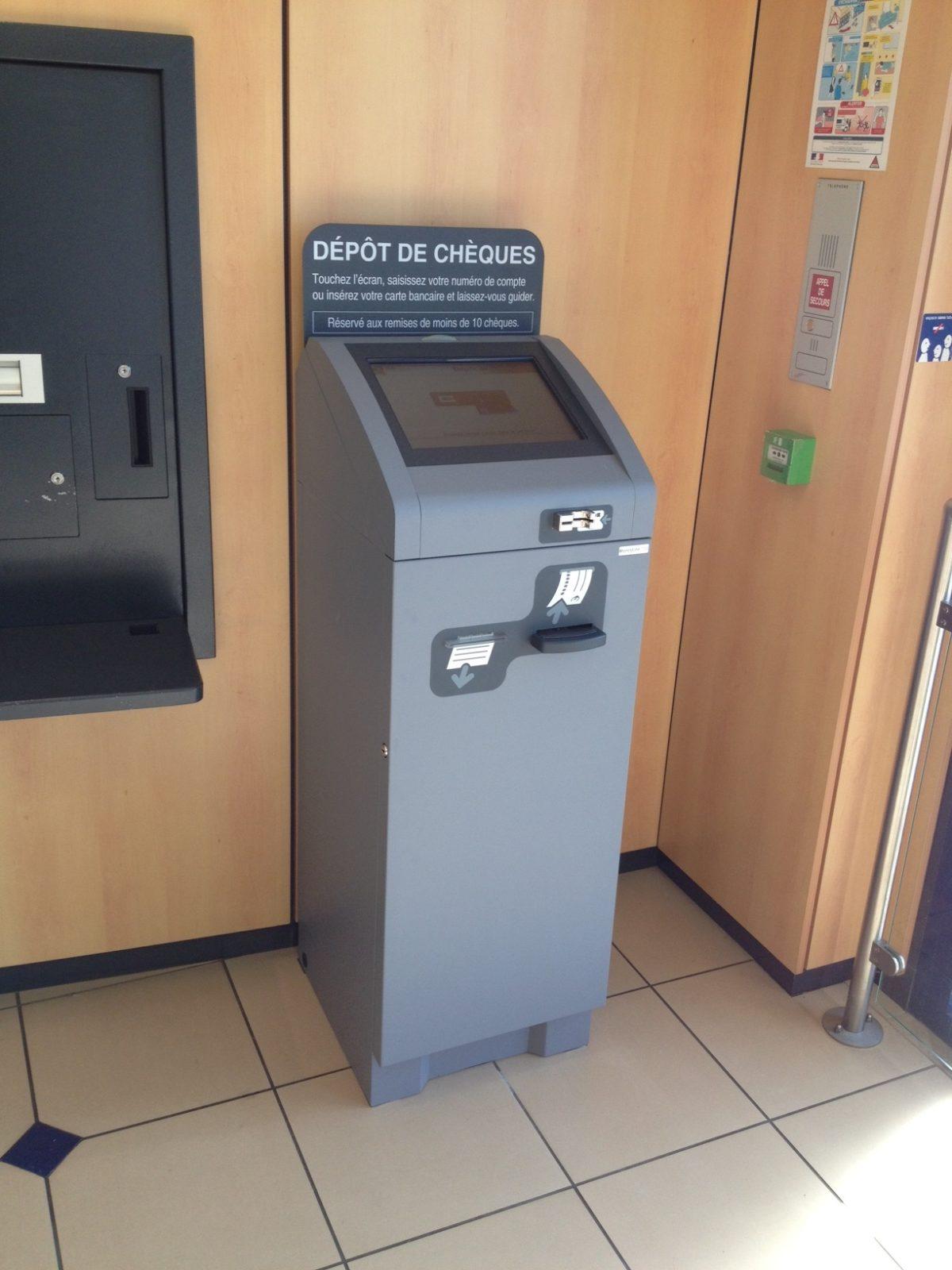 Fabricant d'automate bancaire