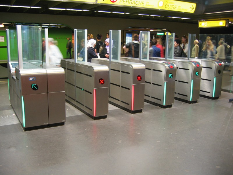 Fabricant de borne pour métro